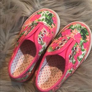 Other - Girls toddler sneakers w/ Hawaiian floral design